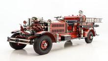 با-کامیون-آتشنشانی-کلاسیک-Ahrens-Fox-N-S-4-آشنا-شوید