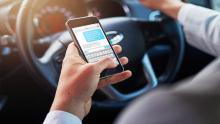 شرکتهای-بیمه-آمریکا-بهدنبال-کاهش-استفاده-از-تلفن-همراه-پشت-فرمان-خودرو
