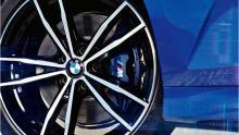 خلاقیت-BMW-ثابت-ماندن-لوگو-در-وسط-چرخ-ها